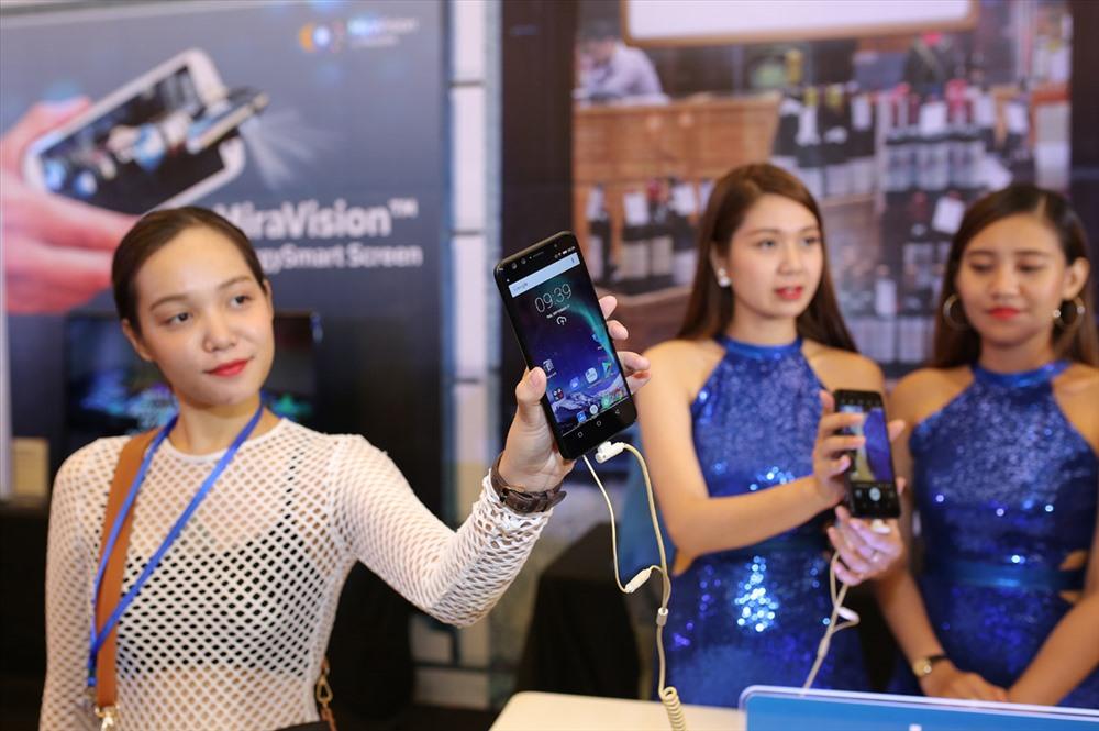 Mẫu điện thoại 4 camera Prime X Max của thương hiệu Việt Mobiistar ra mắt cách đây chừng một tháng (ảnh: HTL).
