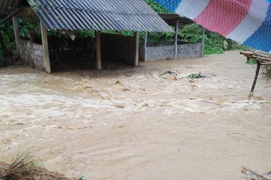 Nhiều nơi trên địa bàn tỉnh Hòa Bình bị ngập lụt.