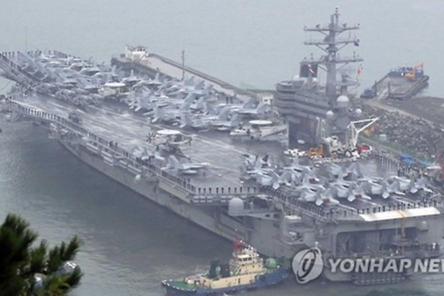 Tàu sân bay USS Ronald Reagan. Ảnh: Yonhap