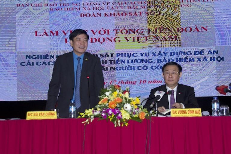 Chủ tịch Tổng LĐLĐVN Bùi Văn Cường phát biểu tại buổi làm việc. Ảnh: V.L