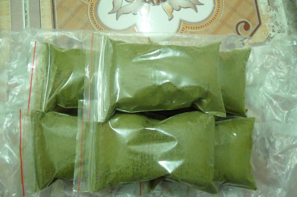 Nguyên liệu trà xanh không nhãn mác dễ dàng mua được tại các chợ đầu mối như Đồng Xuân, Hàng Buồm, Hà Nội