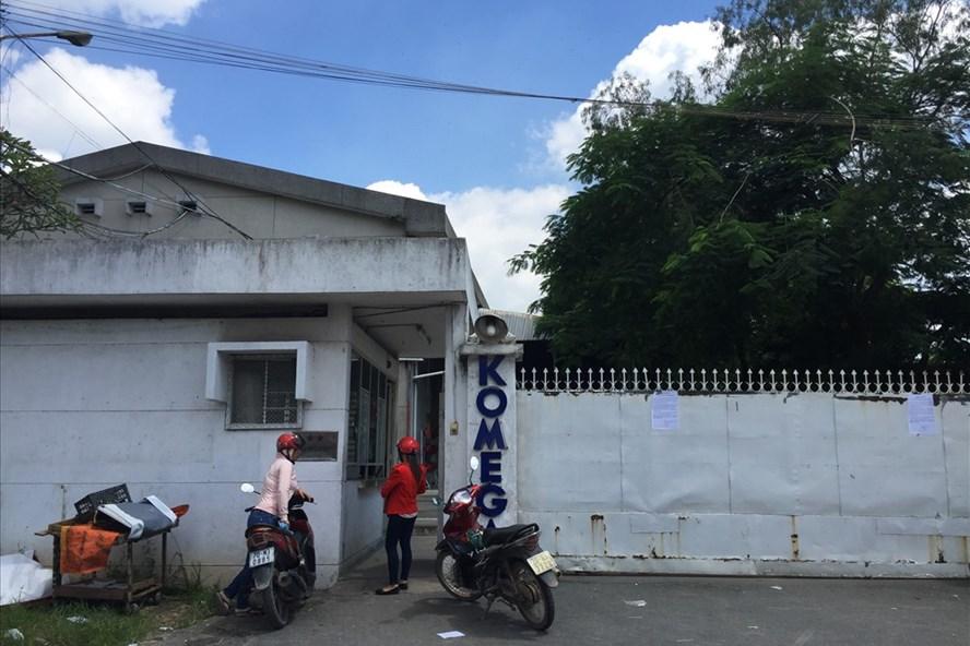 NLĐ đến trụ sở Cty Komega để yêu cầu giải quyết quyền lợi