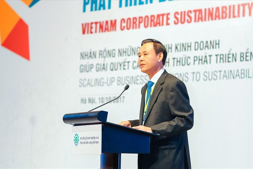 Ông Hà Công Tuấn, Thứ trưởng Bộ Nông nghiệp và Phát triển nông thôn nhấn mạnh tầm quan trọng của tài nguyên nước trong việc phát triển nông nghiệp bền vững tại Diễn đàn doanh nghiệp phát triển bền vững 2017.