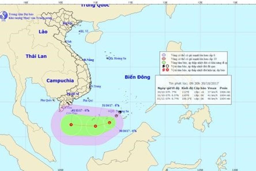 Vị trí và hướng đi của áp thấp trên Biển Đông. Ảnh: NCHMF