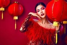 Á hậu Kim Nguyên biến hóa đa sắc trong bộ ảnh Trung thu lồng đèn đỏ