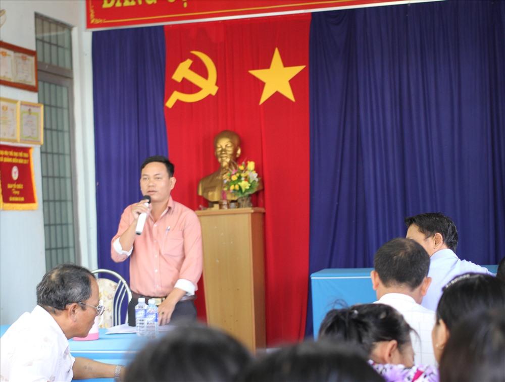 UBND xã Quảng Điền và ông Lê Tấn Thịnh tổ chức xin lỗi người dân. Ảnh: P.V
