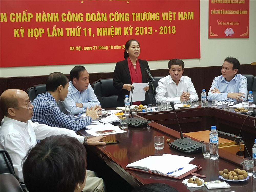 Phó Chủ tịch Tổng LĐLĐVN Nguyễn Thị Thu Hồng chủ trì Hội nghị. Ảnh: B.M