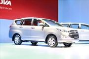 """Toyota bất ngờ """"đại hạ giá"""" hàng loạt xe nội"""