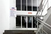 Người đàn ông bất ngờ nhảy qua lan can tầng 2 bệnh viện, tử vong