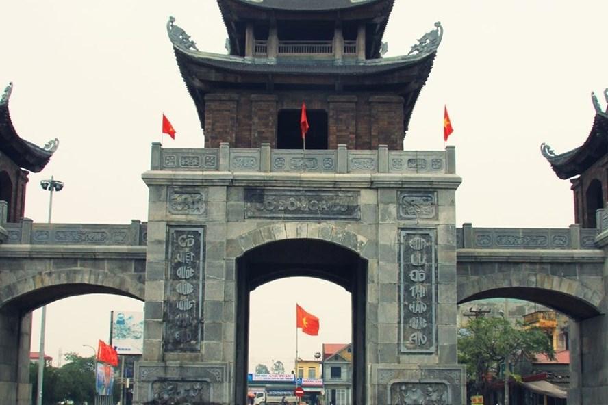 Cổng vào khu di tích Cố đô Hoa Lư ngày nay (nguồn: dulichninhbinh365.com).