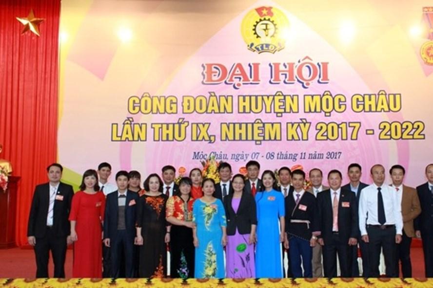 Ra mắt BCHCĐ huyện Mộc Châu khóa IX, nhiệm kỳ 2017-2022. Ảnh: Minh Hải