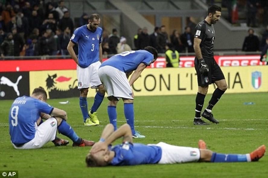 ĐT Italy đã lỗi hẹn với VCK World Cup 2018 tại Nga. Ảnh: AP.
