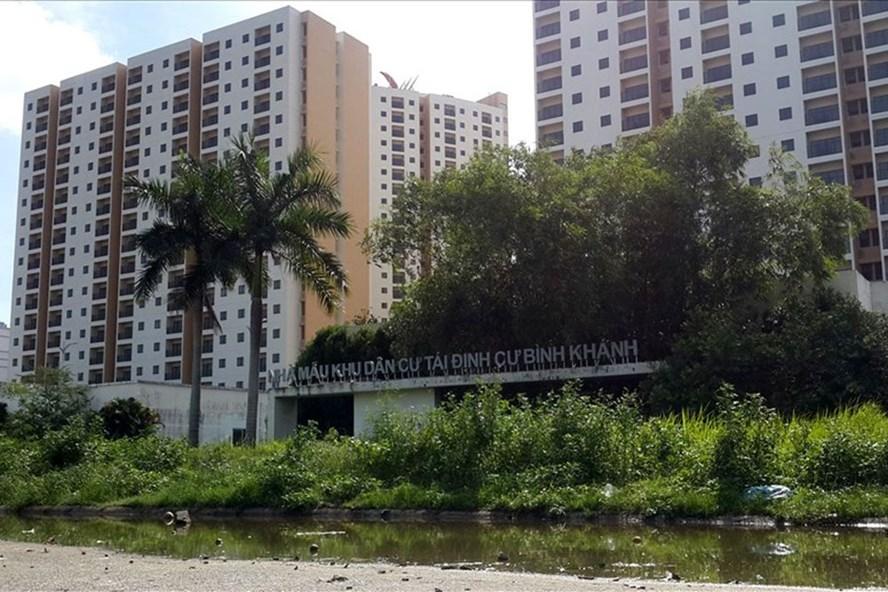 Siêu dự án tái định cư bỏ hoang ở phường Bình Khánh quận 2. Ảnh: Ngọc Tiến