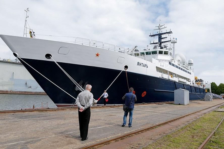 Tàu nghiên cứu hải dương học Yantar của Nga. Ảnh: Tass
