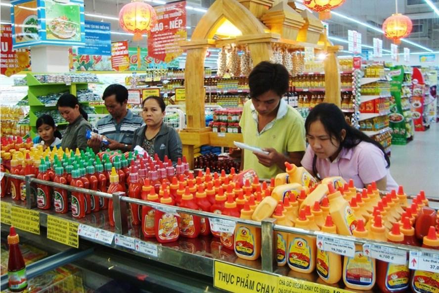 Thị trường bán lẻ Việt Nam đang hướng tới mục tiêu doanh thu 44 triệu tỉ đồng. Ảnh: P.V