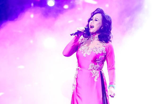 Ca sĩ Thanh Tuyền phiêu trong những tình khúc gắn liền với tên tuổi của bà.