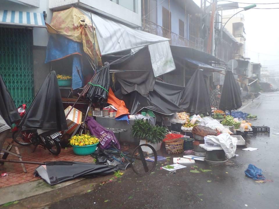 Chùm ảnh bão số 12 đổ bộ Nha Trang, Khánh Hòa: