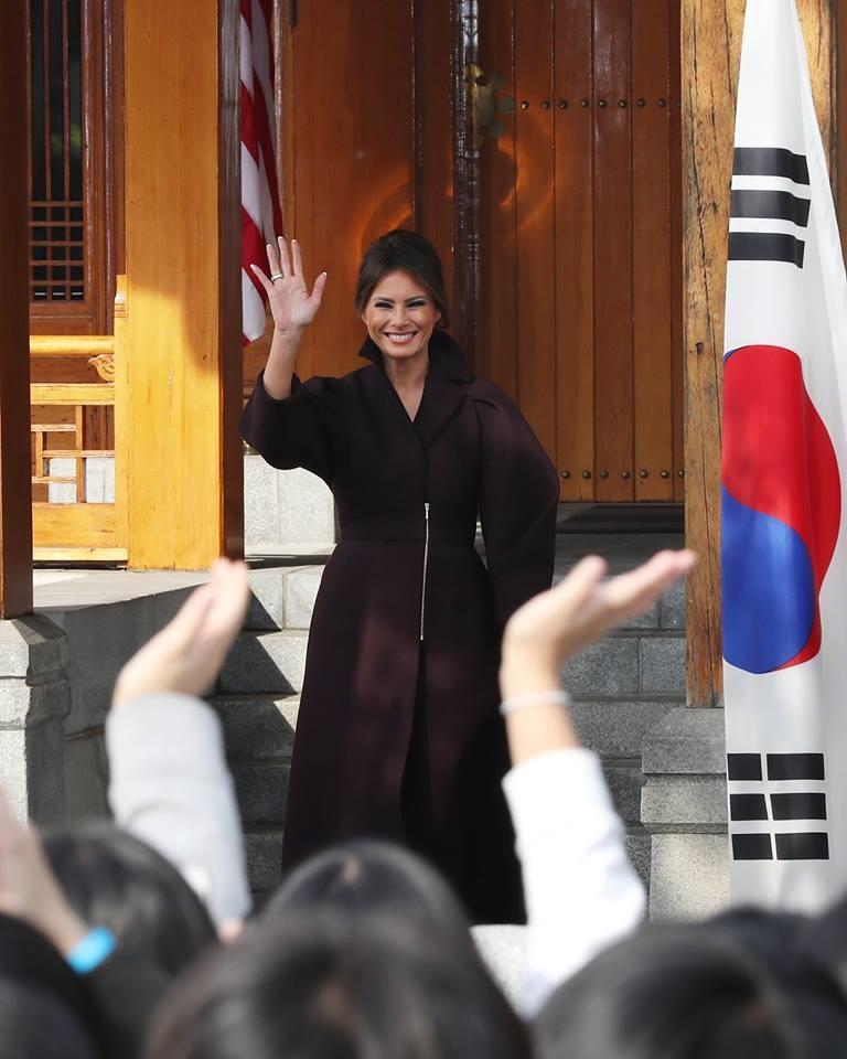 Bà Melania Trump tại sự kiện do Đại sứ quán Mỹ tại Hàn Quốc tổ chức. Ảnh: Yonhap