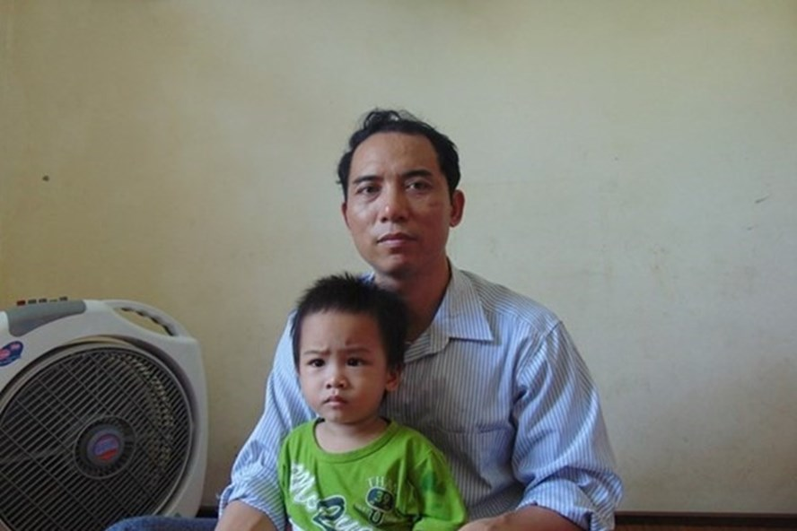 Một giáo viên tại huyện Quỳnh Lưu sinh con thứ 3 bị thuyên chuyển đến vùng xa trái luật. Ảnh: QĐ