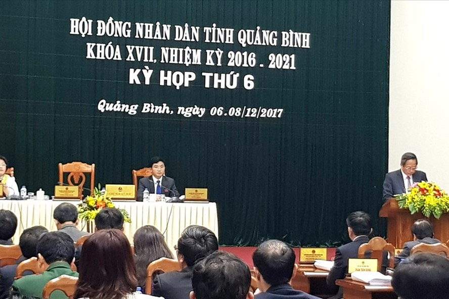 Toàn cảnh kỳ họp thứ 6 HĐND tỉnh Quảng Bình khóa 17, nhiệm kỳ 2016-2021. Ảnh: Lê Phi Long