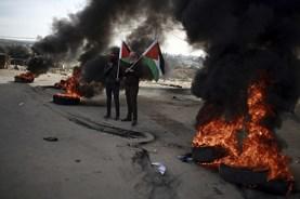 Israel điều máy bay, xe tăng oanh tạc dải Gaza đáp trả vụ trúng tên lửa