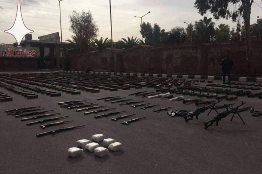 Quân đội Syria chặn được lô vũ khí của phiến quân. Ảnh: AMN