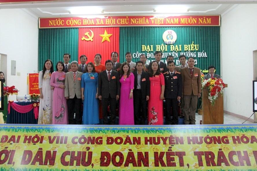 Ban chấp hành LĐLĐ huyện Hướng Hóa lần thứ VIII, nhiệm kỳ 2018-2023. Ảnh: Hưng Thơ.