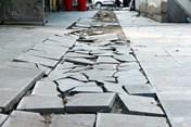 Hà Nội: Lát vỉa hè chọn đá không đúng và làm rất bừa bãi