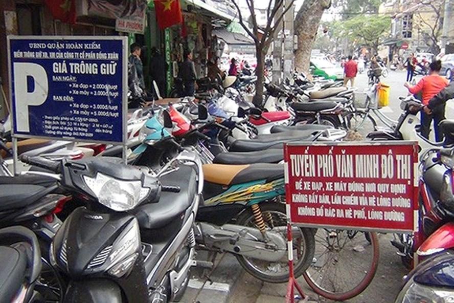 Tăng phí và quản lý lòng, hè đường là hai câu chuyện hoàn toàn khác nhau - Trưởng Ban Pháp chế HĐND TP Nguyễn Hoài Nam khẳng định. Ảnh minh họa, nguồn: Otofun.
