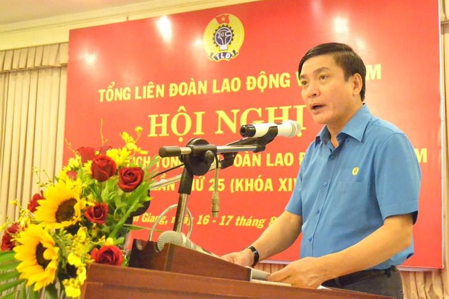 Chủ tịch Tổng LĐLĐVN Bùi Văn Cường phát biểu khai mạc hội nghị.