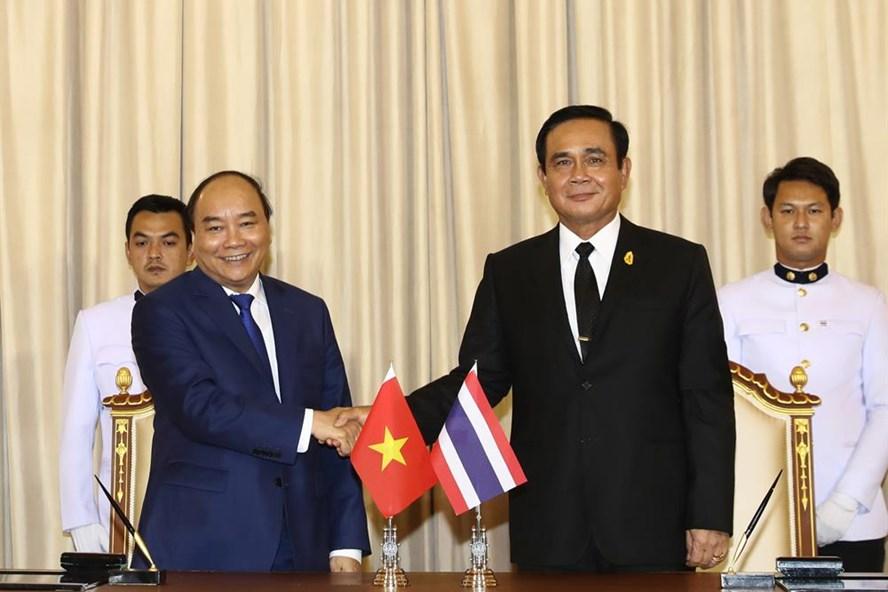 Thủ tướng Nguyễn Xuân Phúc họp hẹp và hội đàm cùng Thủ tướng Thái Lan Prayut Chan-ocha. Ảnh: Thống Nhất