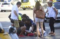 Hiện trường hỗn loạn vụ tấn công khủng bố ở Barcelona