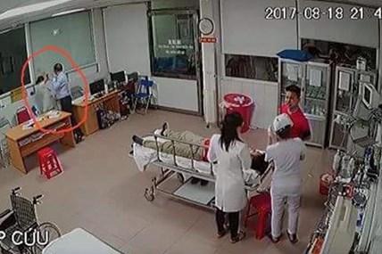 Góc nhìn khác về vụ giám đốc đánh bác sĩ tại Nghệ An
