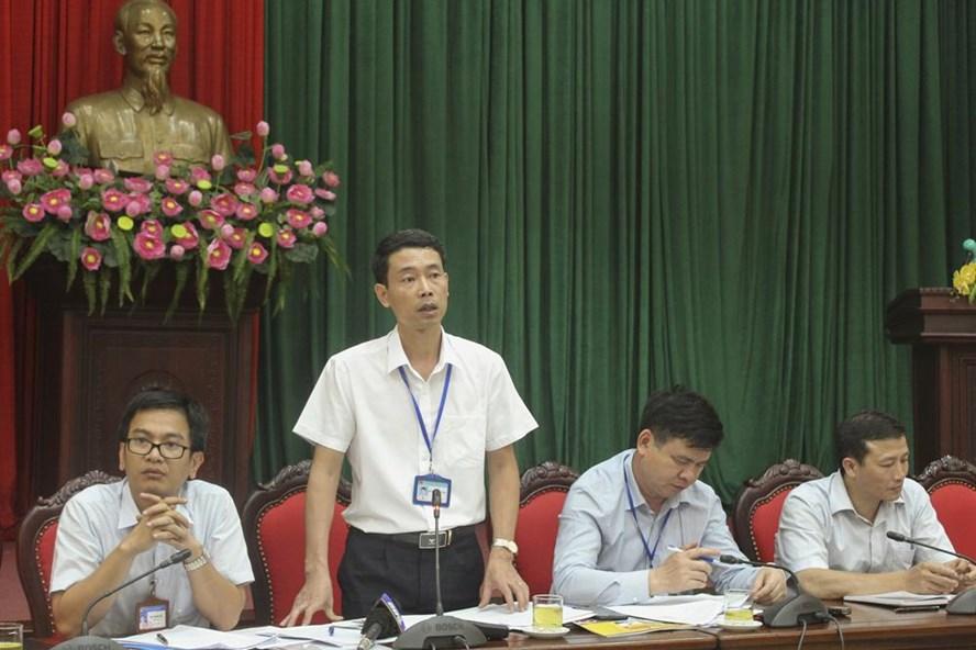 Ông Nguyễn Quang Ngọc – Phó Chủ tịch UBND quận Hà Đông thông tin báo chí về công tác quản lý trên địa bàn thời gian qua. Ảnh Trần Vương