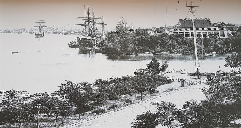 Cột cờ Thủ Ngữ được người Pháp dựng lên vào năm 1865 trên nền cũ của dinh quan thủ ngự chuyên chăm lo về thương chính của nhà Nguyễn. Ảnh: Tư liệu