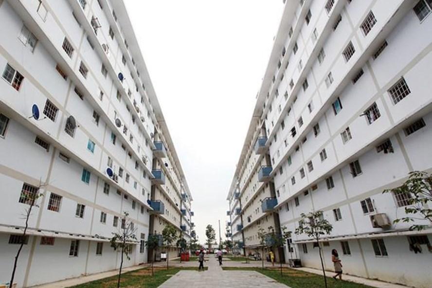 Việc chậm trễ triển khai gói hỗ trợ mua nhà ở xã hội khiến người thu nhập thấp ở đô thị đang khó khăn tìm kiếm căn hộ. Ảnh: PV