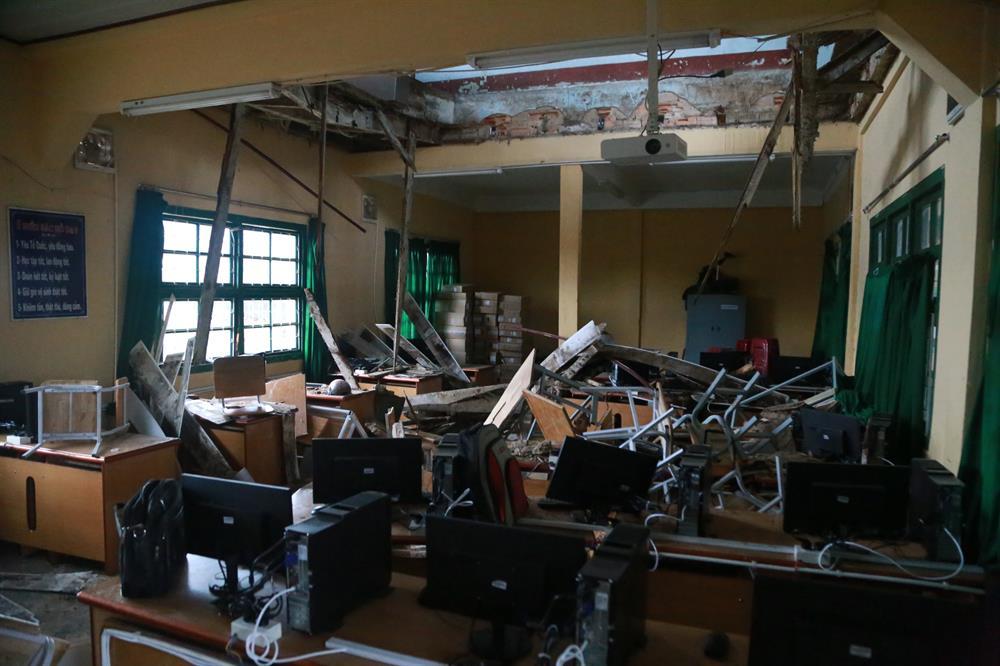 Sập sàn phòng học tại Trường THCS-THPT Đống Đa (P7, TP. Đà Lạt, Lâm Đồng) khiến ít nhất 11 học sinh bị thương- ảnh: PV
