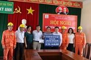Công đoàn Điện lực VN: Động viên CNVCLĐ tại các đơn vị khắc phục hậu quả bão số 10