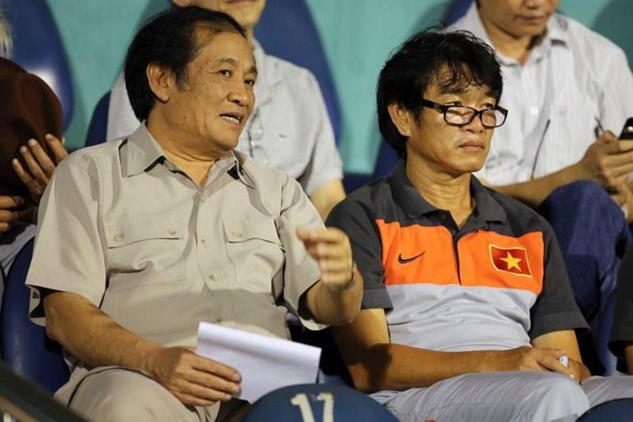 HLV Phan Thanh Hùng (phải) là một thành viên của Hội đồng HLV QG. Ảnh: TL