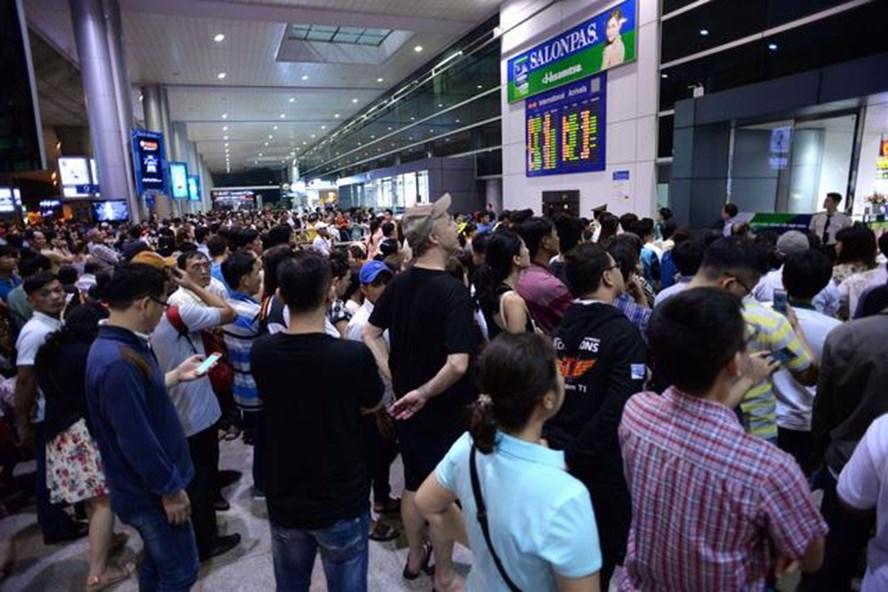 Trễ bay 6h phải hỗ trợ bữa ăn cho hành khách.