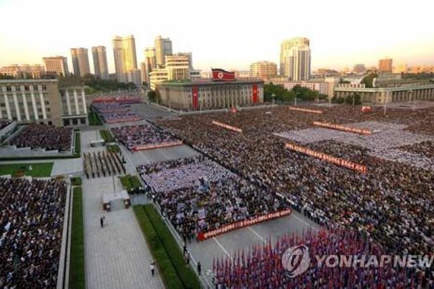 KCNA cho biết, hơn 100.000 người Triều Tiên tuần hành phản đối Mỹ hôm 23.9.