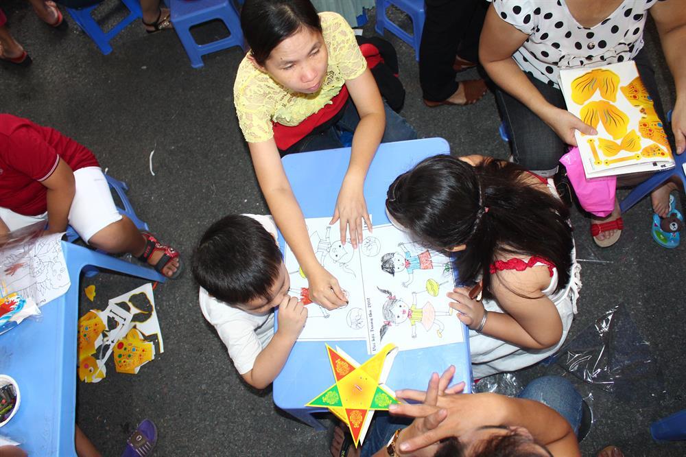 Con công nhân được tham gia nhiều hoạt động vui chơi
