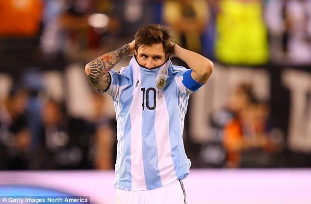 Messi sẽ phải đưa ĐT Argentina tới VCK World Cup 2018. Ảnh: Getty Images.