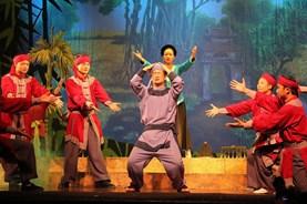 """Nhà hát ở Hà Nội lay lắt, """"sống mòn"""" nhờ tiền ngân sách"""