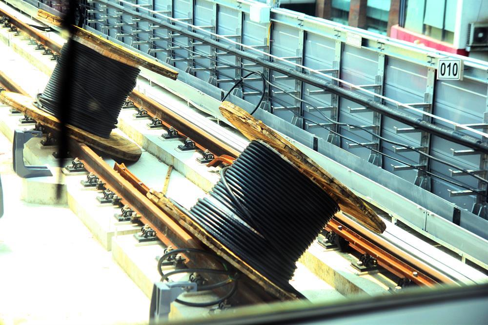Quan sát của PV trong buổi chạy thử, hiện nay, tuyến đường sắt Cát Linh - Hà Đông