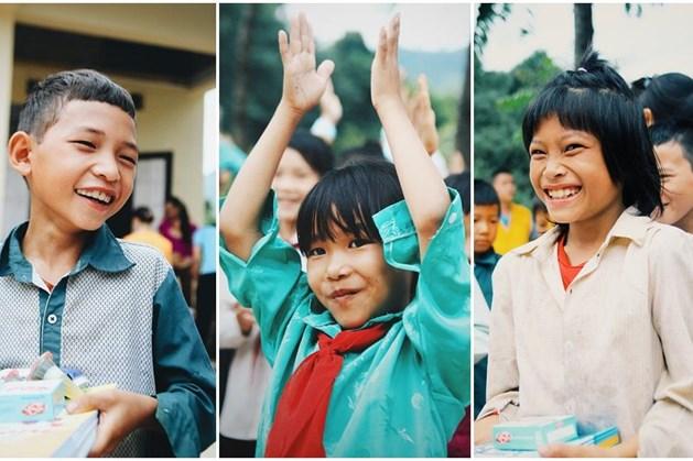 Nụ cười rạng rỡ của những đứa trẻ vùng biên trước ngày tựu trường.