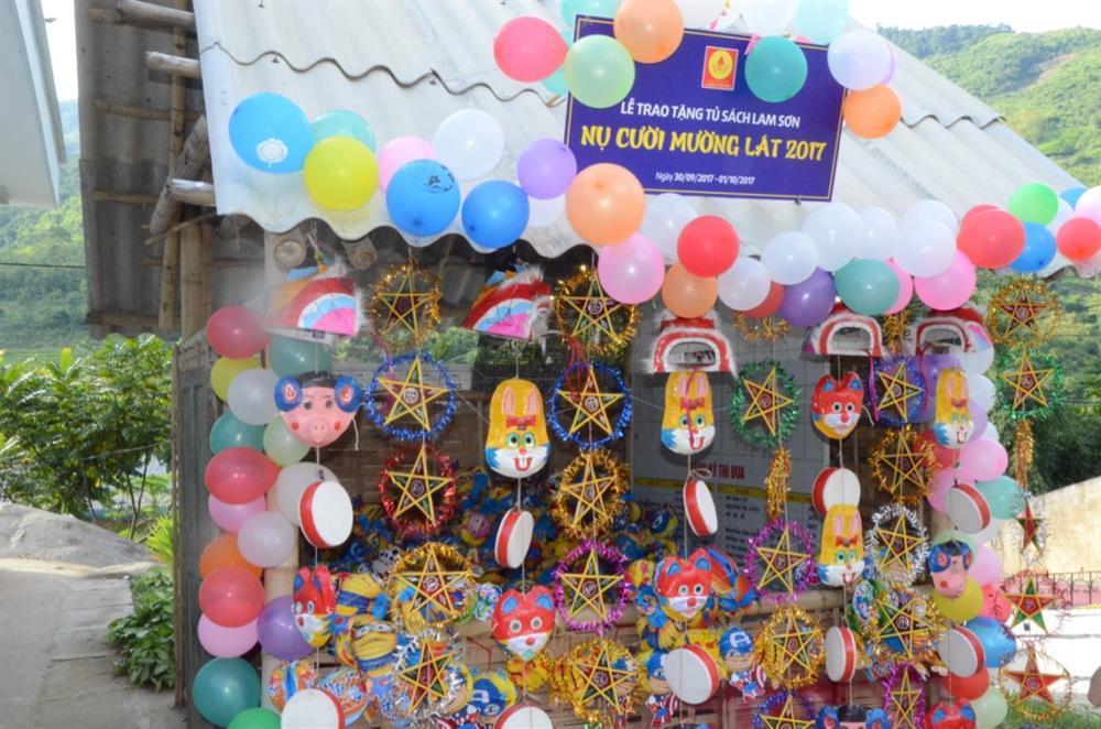 Gian trại rực rỡ sắc màu cho học sinh vui chơi. Ảnh: H.H