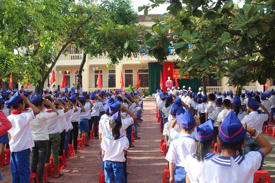 Học sinh Trường Tiểu học Kỳ Hà dự lễ khai giảng đông đủ. Ảnh: Trần Tuấn