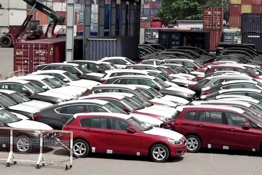 Lô 600 xe BMW phơi nắng ngoài cảng Sài Gòn suốt 1 năm nay