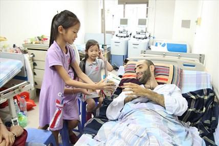 Chuyện anh Eldaniz và tấm lòng của người Việt